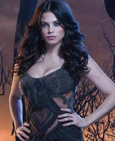 Jenna Dewan-Tatum in 'Witches of East End'