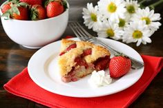strawberry cake  with a few changes I could make this gluten free/sugar free and clean eating.