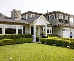 Boost your home's curb appeal with a well-defined entry: http://www.bhg.com/home-improvement/door/exterior/exterior-doors-and-landscaping/?socsrc=bhgpin040114definetheentry&page=16