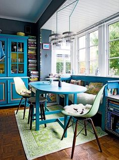 smallrooms | blue and green breakfast nook and built-ins