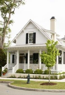 Such a classically beautiful, timeless house (with a wonderful front porch). #house #home #vintage #cottage #porch my future home!! On a ranch of course