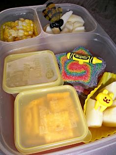 Yellow Day Lunch - cute idea for color days at school :)