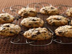 Dark Chocolate Chunk Granola Cookies