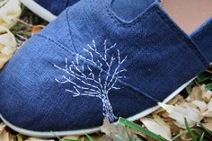 hand, diy shoes toms, tree, diy crafts, tom shoes, embroidered shoes, embroid shoe, embroidery stitches, cross stitches