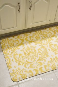 Paint your own Designer Rug, SO SO easy! I need to do this.