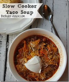 The perfect Sunday Slow Cooker recipe to try. This Taco Soup is perfect with a honey corn bread, making a great fall meal.