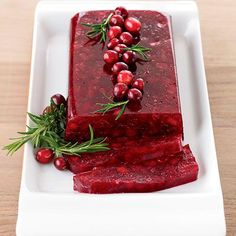 Jellied Cranberry Sauce with Fuji Apple #thanksgiving #NotFromACan