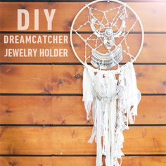 DIY dreamcatcher jewelry holder. http://blog.swell.com/diy-dreamcatcher-jewlery-holder