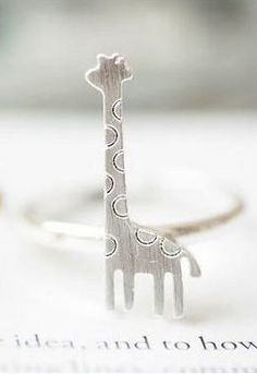 Giraffe ring. Cute!