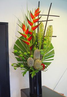 palm, flower arrang, cleanses, vase arrangements, fan, branches, thistl, destination weddings, tropical flowers