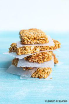 Crispy Quinoa Granola Bars from Queen of Quinoa | #glutenfree