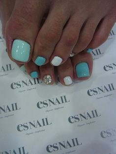 Summer toes - Click image to find more Hair & Beauty Pinterest pins