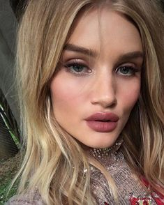 foto 20 Hot-Girl-Approved Ways to Wear Your Makeup ThisSummer