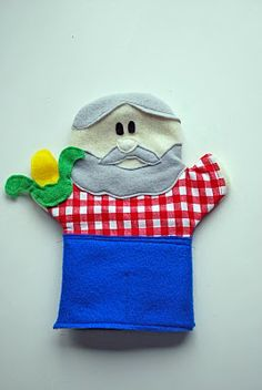 DIY Old McDonald / Farmer Puppet #DIY #Sewing #Sew #Toys #Puppets #Farmers