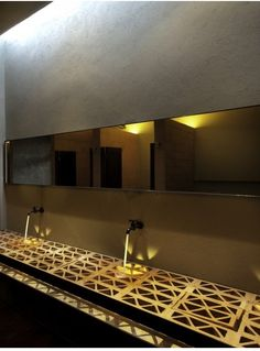 Cherem Arquitectos gold bathroom