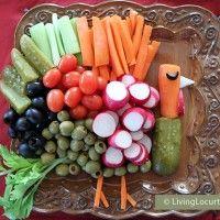 Turkey Vegetable Tray {Fun Food Idea} from Living Locurto. I LOVE this idea!