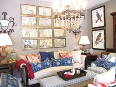 love red white and blue together, and look at that chandelier!