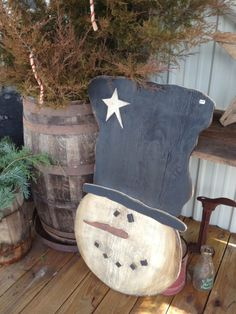 Primitive snowman head made by Amy Duncan at *The Farm* Winchester, IL.