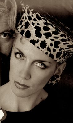 Annie Lennox - The Eurythmics. S)