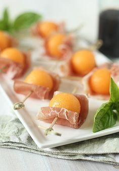cantaloupe and prosciutto, cantaloupe appetizer, galley gourmet, melon prosciutto, prosciutto melone, cantaloup bite, food, recip, parti
