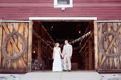 Entrance to the Smith Barn, a rustic wedding venue just north of Boston.  Love these massive pine doors!  Makes such a lovely frame for a bride and groom portrait.