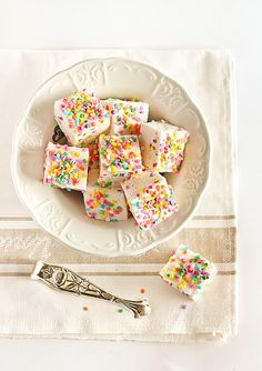 Funfetti Marshmallows by raspberri cupcakes, via Flickr