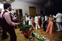 On May 31, 1975, Susan Ford, daughter of President and First Lady Ford, held her high school prom at the White House. Follow link for story.