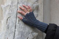 Hot hands - crochet mittens
