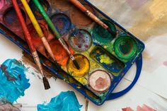 How Art Therapy Can Help Manage Stress | Healthy Harvest House :: Art making and working creatively can increase our levels of serotonin and dopamine, chemicals in our brain that influence happiness and relaxation.