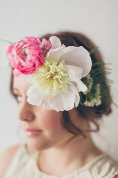 oversized floral crown, photo by nbarrett photography http://ruffledblog.com/valentines-day-makeup #floralcrown #flowerwreath #wedding
