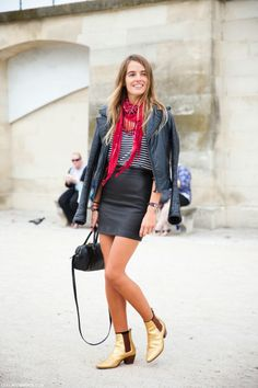 A mini black duffle never goes out of style // #Fashion #StreetStyle