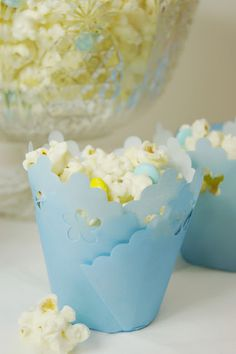 Baby Shower White Chocolate Popcorn ... or change the M&M colors to match any occasion! www.thekitchenismyplayground.com #popcorn #babyshower