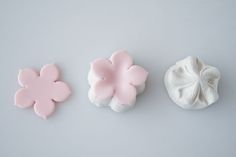 How to make a gum paste flower 2
