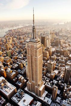 Empire State Building | Snow in New York City | #NYC