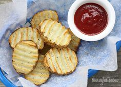 """Skinnytaste Grilled Potatoes - your kids will LOVE these grilled """"fries""""!"""
