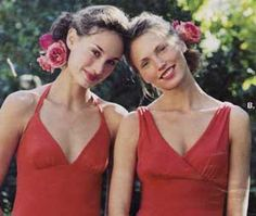 Bridesmaids with side buns and roses rose, bridesmaid