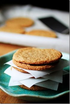 Almond butter buttons--no flour,  perfect for my abuelita that cant have any flour products!