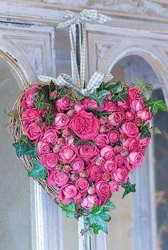 Lovely Heart Wreath  ~