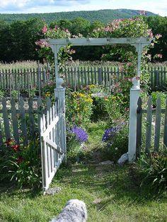 LOVE this garden arbor!