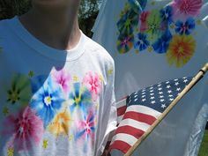 an EASY Fireworks tye dye shirt made with sharpies and alcohol. Tutorial shows step by step instructions....kids, adults, classes, also including information on how to set the ink with an iron and dryer. Sounds fun to teach...to do with friends.