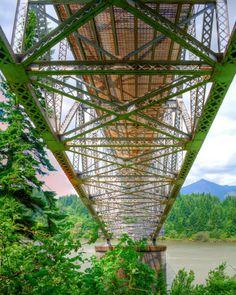 Under the Bridge of The Gods@ the Cascade Locks