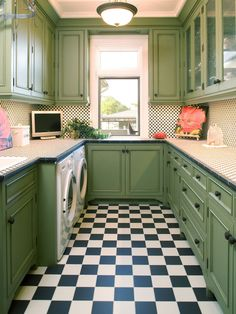 kitchen-inspired laundry room.. why not