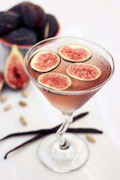 Fig, Vanilla Bean and Cardamom Infused Vodka & Figtini #drinks #alcohol #cocktails