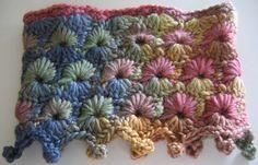 Free Crochet Hexagon Cowl Pattern.