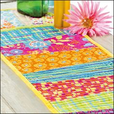 Summer Days Table Runner from Quilter's World Summer 2013. Order here: http://www.anniescatalog.com/detail.html?prod_id=100650.