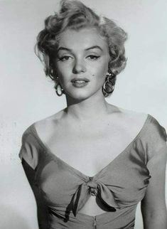 More midriff cutout inspiration (Marilyn again, of course!)