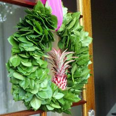 Tropical Christmas Wreath - go a little Hawaiian Hmmmm goes nicely with my pineapple theme!
