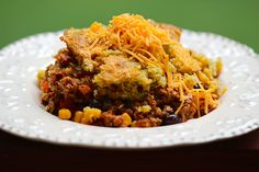 Slow Cooker Tamale Pie with Cornbread Crust.  It's really good! #tamalepie #casseroles