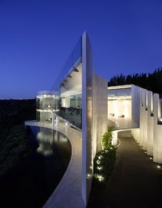 The Razor Residence by Wallace E. Cunningham > #amazing & #beautiful #modern #home ... so #unique!