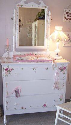 #Shabby #Chic #Vintage #Painted #Furniture: Dressers so pretty... http://www.mycraftkingdom.com